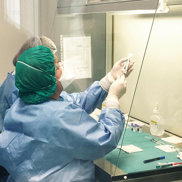 COVID-19: IPO iniciou vacinação de profissionais